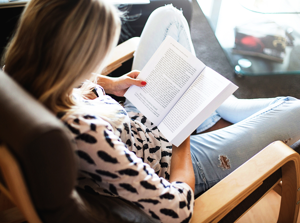 Improve Your English by Reading Children's Book Series | English Teacher Melanie