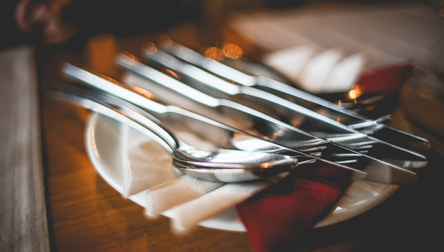What to Say in a Restaurant | English Teacher Melanie